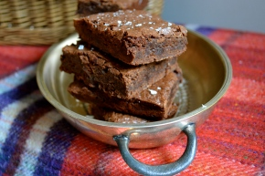 Salted chocolate fudge brownies
